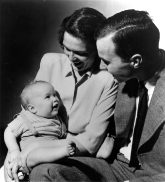 George W. Bush with his parents, Barbara and George H. W. Bush, c. 1947 GeorgeWBush1947.png
