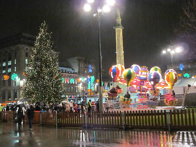 Other resolutions: 320 × 240 pixels ... - File:George Sq, Glasgow 2013-12-08 0031.jpeg - Wikimedia Commons