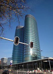 Glazen torens aan de Croeselaan.jpg