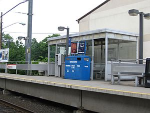 New Canaan Branch - Image: Glenbrook R Rsta Seats 8Stamford CT07152007