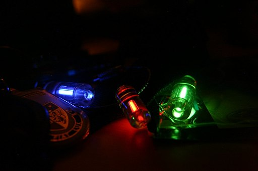 Glowing keychain traser