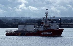 MV Gondwana - Image: Gondwana greenpeace ship