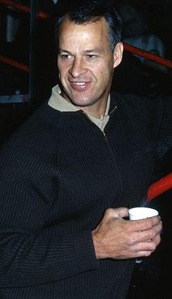 Gordie Howe (cropped).jpg