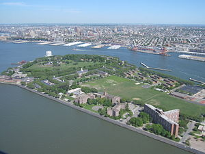 English: Aerial view of Governors Island