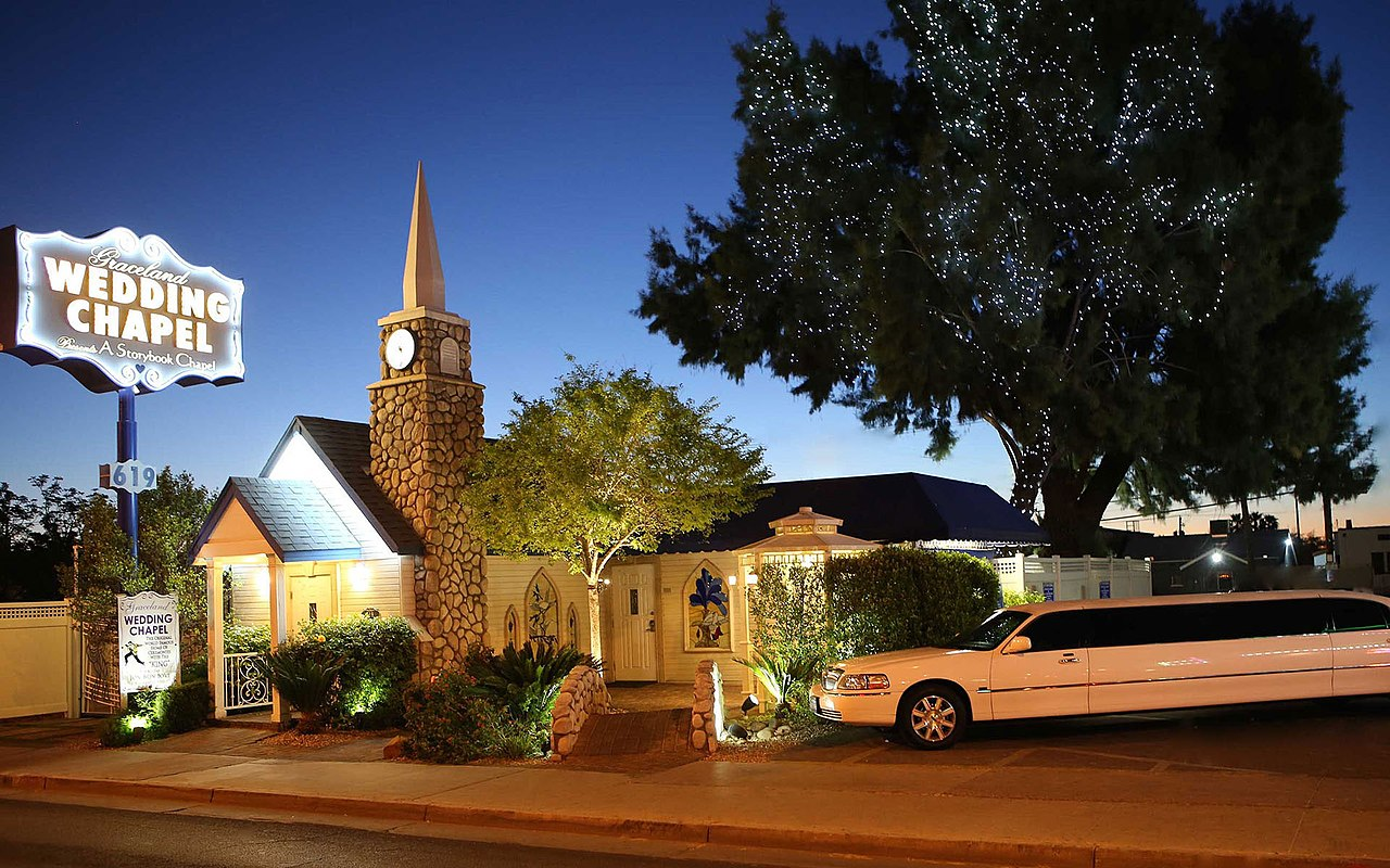 Graceland Wedding Chapel - Las Vegas.jpg
