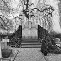 Grafmonument - Batenburg - 20028437 - RCE.jpg