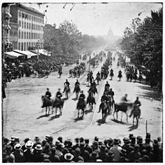 the grand army of the republic marches up Pennsylvania Avenue