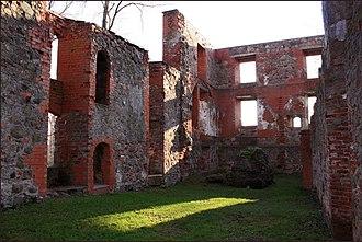 Grobiņa - Image: Grobiņa castle ruins (2)