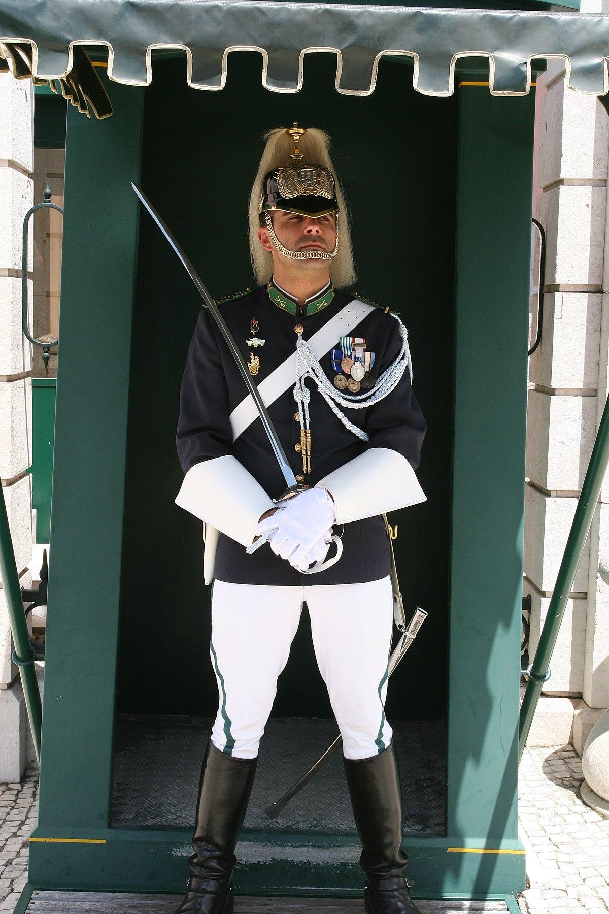 guard - Wiktionary