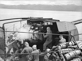 QF 4 inch Mk XVI naval gun - Image: HMAS Swan guns (079323)