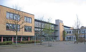 Halepaghen Grammar School - Image: HPS B und D