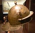 Haguenau Musée casque légionnaire.JPG