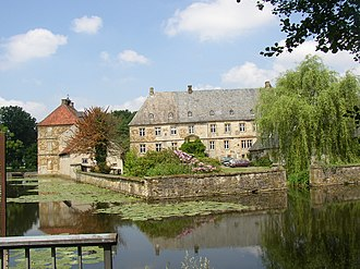 Halle (Westfalen) - Moated castle Tatenhausen