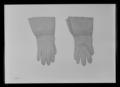 Handske märkt H. Brandel, 1800-talets första hälft - Livrustkammaren - 60663.tif