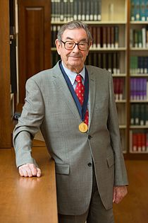 Harry Gray HD2013 Othmer Gold Medal 002.JPG