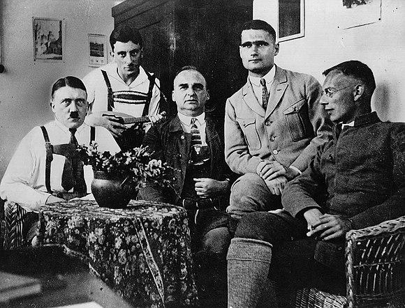 Hitler, Maurice, Kriebel, Hess, Weber, prison de Landsberg en 1924
