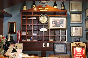 Hotel Mac - Hotel Mac Front Desk
