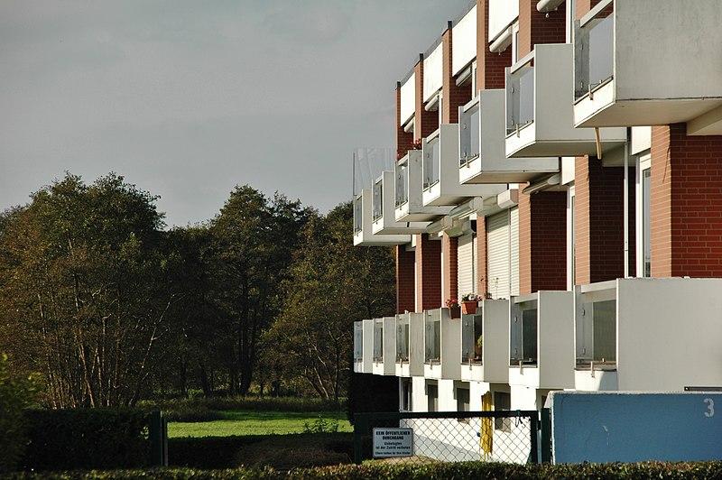 File:Hotel in Haffkrug - panoramio.jpg