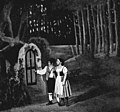 Humperdinck - Hänsel und Gretel - Hänsel and Gretel knocking at the witch's door - Royer - The Victrola book of the opera.jpg