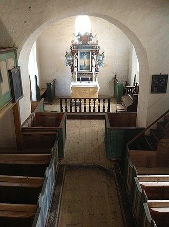 Hustad Church - Image: Hustad kyrkje Inderøy fra galleriet
