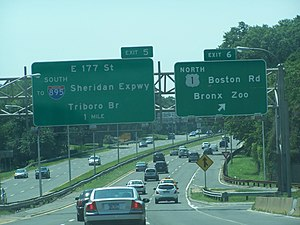 Bronx River Parkway - Signage at Exits 5 and 6