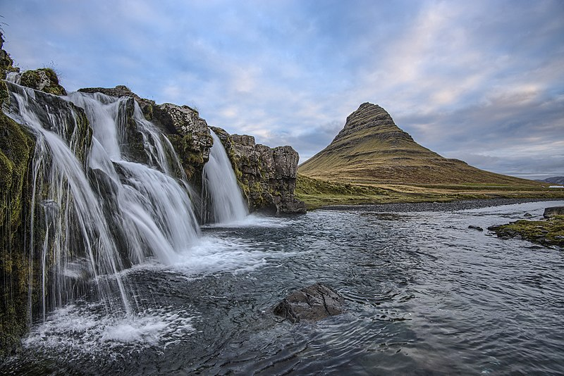 File:Iceland (Unsplash 8yqk7jWIacs).jpg