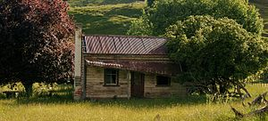 Taihape - Iconic old house, south of Taihape