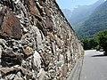 Il muro dell palazzo Vertemate - panoramio.jpg