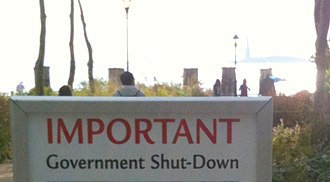 United States federal government shutdown of 2013 - Image: Important government shutdown notice for the Stature of Liberty