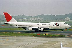 JA8129 2 B747-246B JAA Japan Asia Aws NRT 22MAY03 (8452051341)