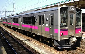 JR-E701 Akita color N32 at Sakata Station 20070406.jpg