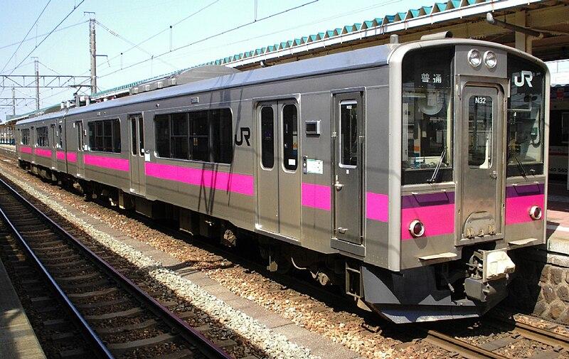 https://upload.wikimedia.org/wikipedia/commons/thumb/6/6c/JR-E701_Akita_color_N32_at_Sakata_Station_20070406.jpg/800px-JR-E701_Akita_color_N32_at_Sakata_Station_20070406.jpg