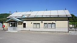 JR Nemuro-Main-Line Kanayama Station building.jpg