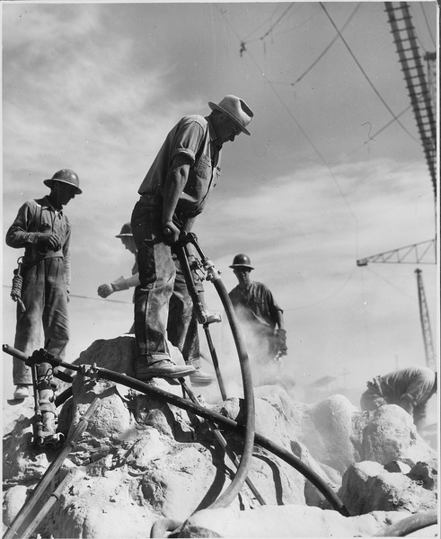 File:Jackhammers on west side bedrock - NARA - 294083.tiff
