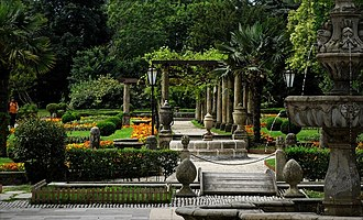 Avilés - French garden in Ferrera Park