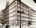John Wanamakers's, Fourth Avenue and 9th Street, Manhattan (NYPL b13668355-482861).jpg