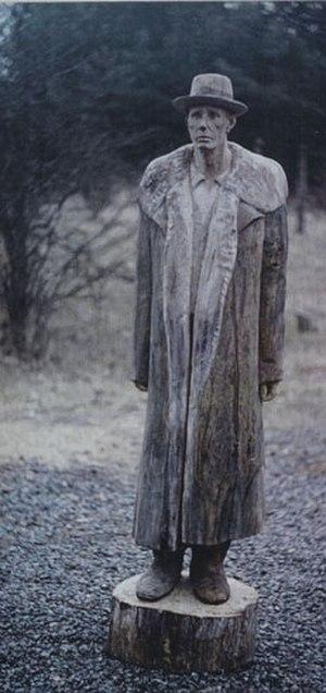 Ralf Sander - Image: Joseph Beuys, Oak 2005, Robert Bosch Stiftung Stuttgart, Germany