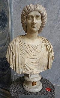 Julia Domna (Julia Pia), inv. 2210, Roman - Braccio Nuovo, Museo Chiaramonti - Vatican Museums - DSC00897.jpg