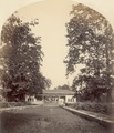 KITLV 100493 - Unknown - Pavilion in a park, presumably in Kashmir in British India - Around 1870.tif