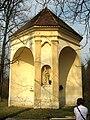 Kaple sv. Anny u Hostěnic (2).jpg