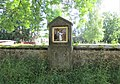 Kaplička Křížové cesty-IV u kostela ve Starých Křečanech (Q104983687).jpg