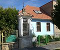 Kaplička v ulici Hradecká.jpg