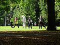 Kepikõndijad Tartu linna tervisepäeval koos päeva maskotiga Keskpargis, 22. september 2012.jpg