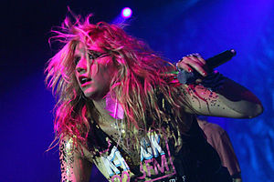 English: Ke$ha performing at Dartmouth College