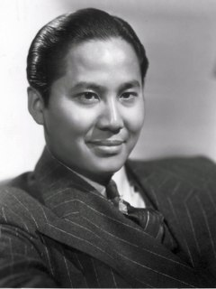 Keye Luke (Lee Chan).