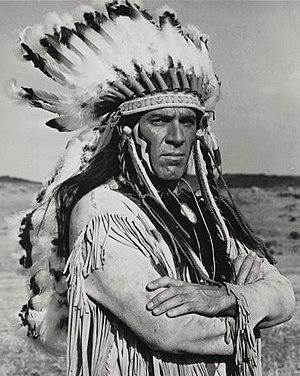 Kieron Moore - Kieron Moore in Custer of the West