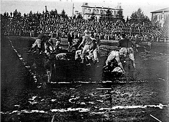 Oregon Ducks football venues - A typically muddy 1907 game at Kincaid Field.