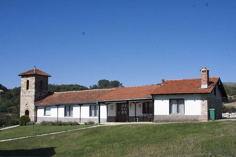 File:Kisha varrezore e Shën Nikollës, HOÇË E MADHE 4.jpg