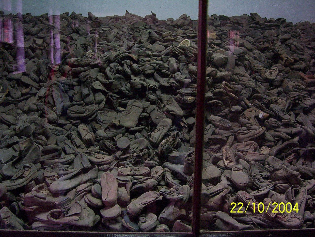 File koncentra n t bor auschwitz birkenau 13 jpg for Auschwitz chambre a gaz