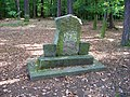 Kostelec nad Černými lesy, památník zastřelení posledního jelena.jpg